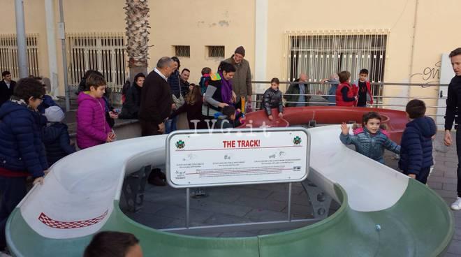Loano, inaugurata la pista da biglie per bimbi diversamente abili
