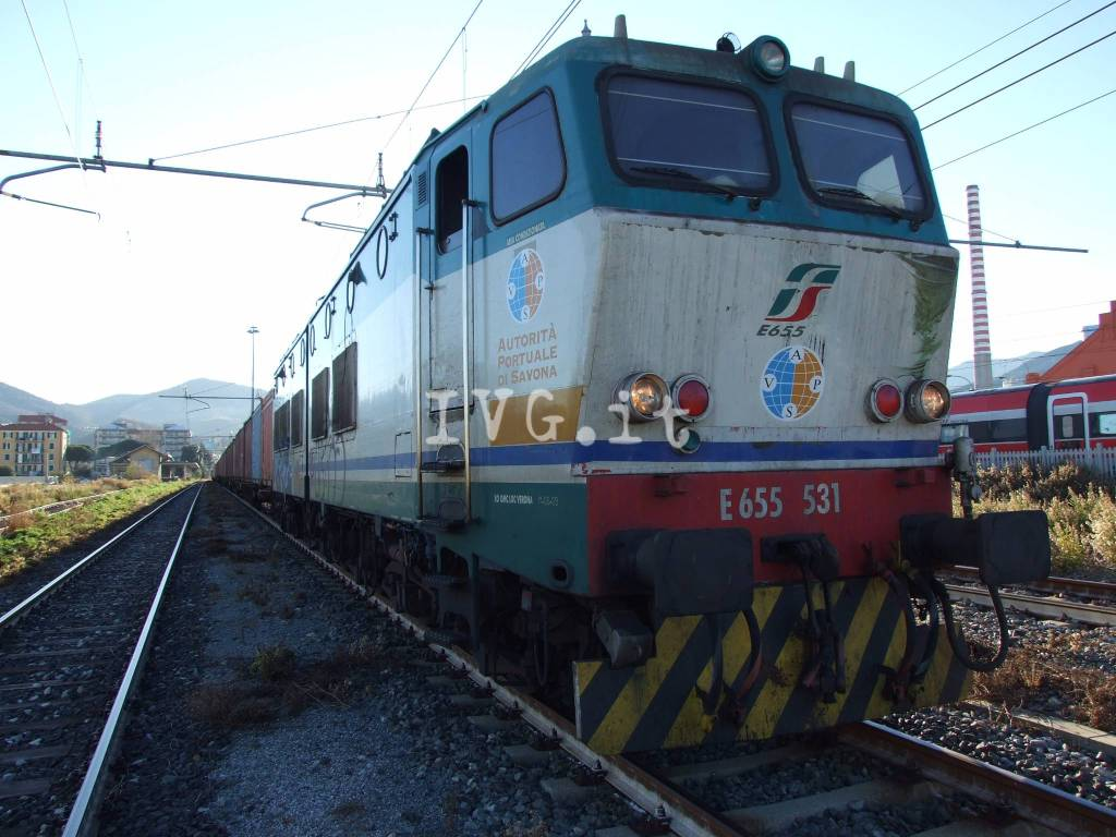Porto Vado, partito il primo convoglio diretto verso l'interporto di Torino