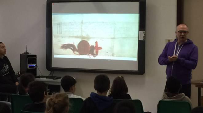 Roberto Malini parla dei rom nelle scuole