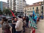 Savona, i dipendenti Asl in presidio sotto la Prefettura
