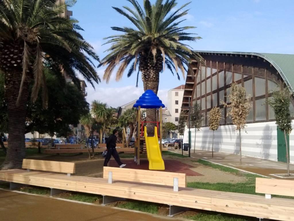 Savona, l'amministrazione visita la nuova passeggiata di Zinola