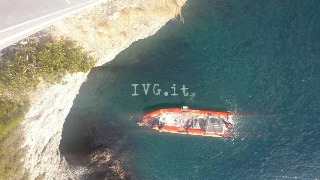 Trovato il cadavere di un uomo in mare a Bergeggi