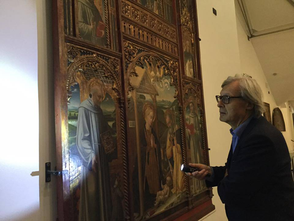 Vittorio Sgarbi a Savona: visita ai musei cittadini