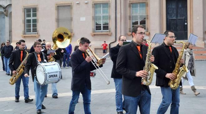 Loano Marching Band Sbanday Street Band