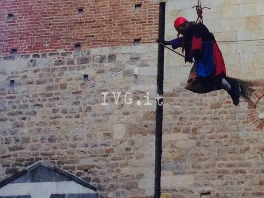 Albenga Befana Vigili del Fuoco Discesa Torre