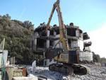 Lavori di demolizione alla ex Stoppani