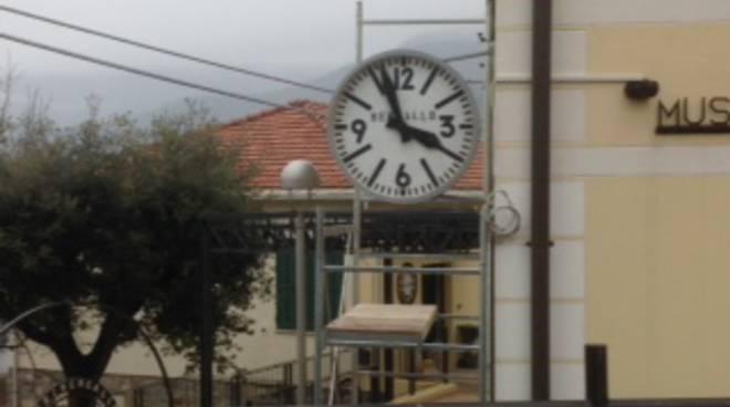orologio bandiera bergalli albissola