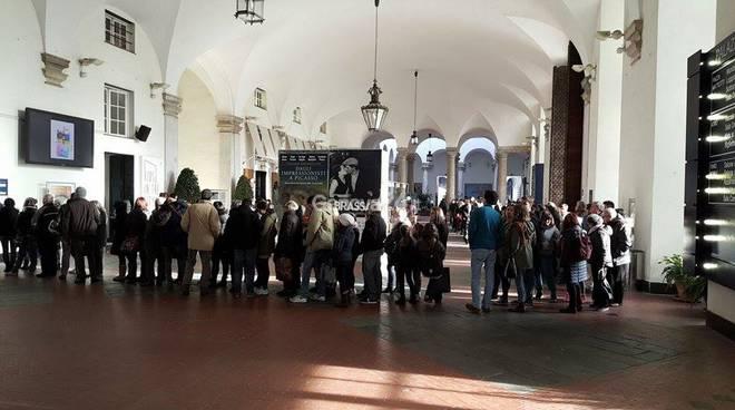 Turisti in coda a Palazzo Ducale