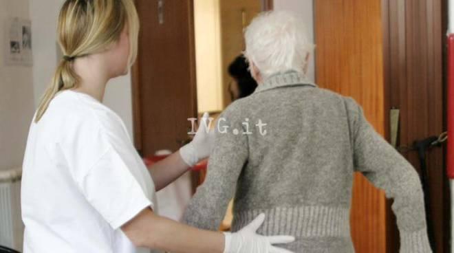 anziani casa riposo