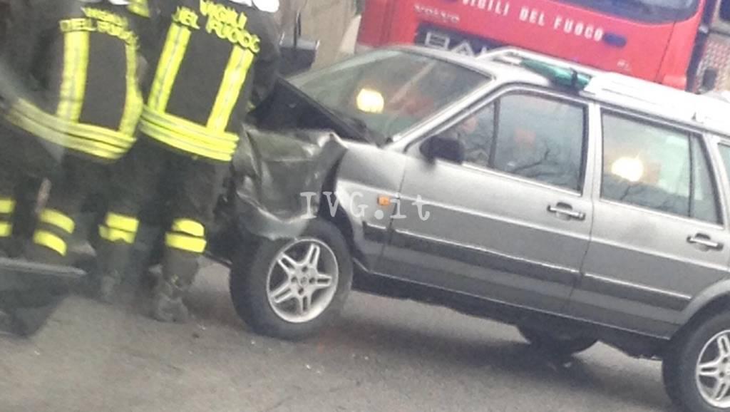 Boissano, incidente sulla strada provinciale 25