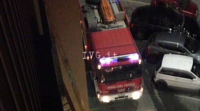 Cairo, si barrica in casa in via Pighini