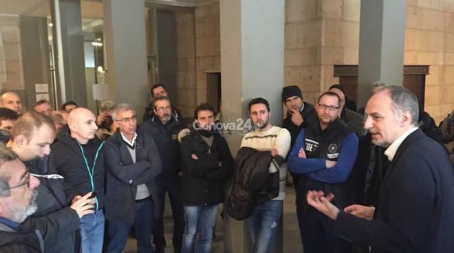 I lavoratori di Piaggio a palazzo Tursi