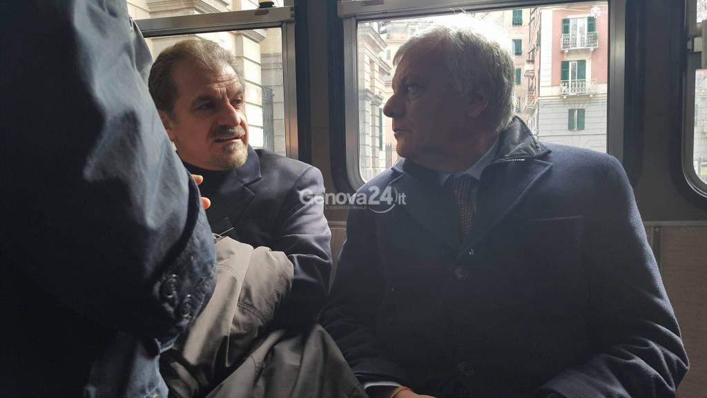 Il ministro Galletti e il responsabile di #Italiasicura Grassi su un bus Amt