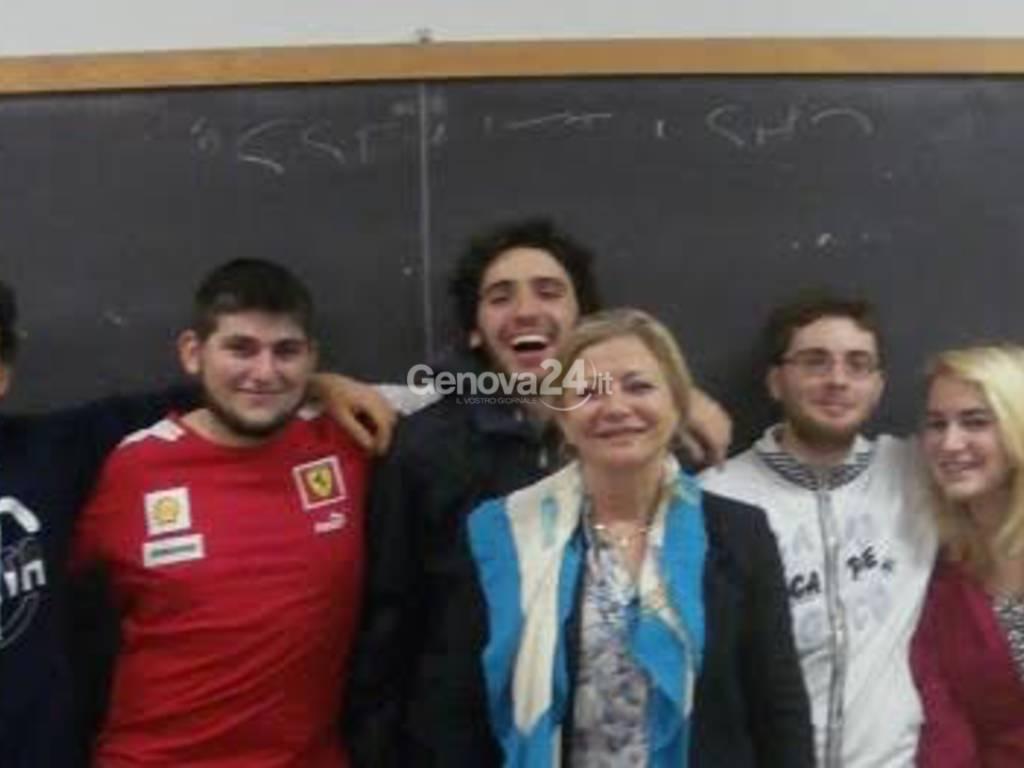 La preside Barberis con gli alunni del Liceti