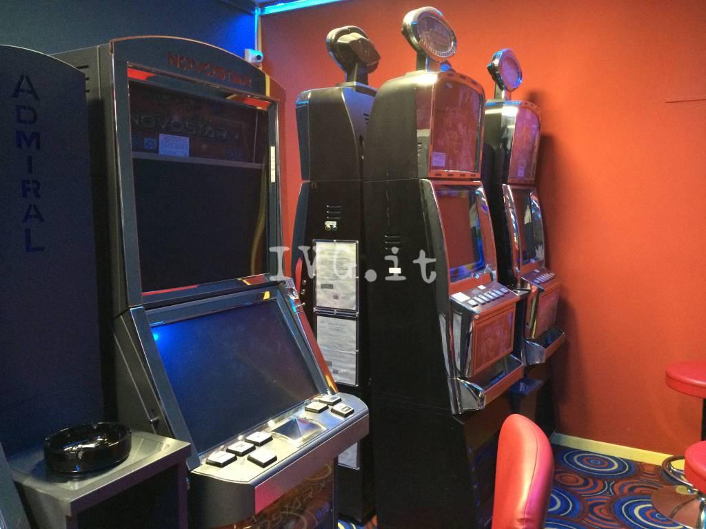 slot machine sala giochi