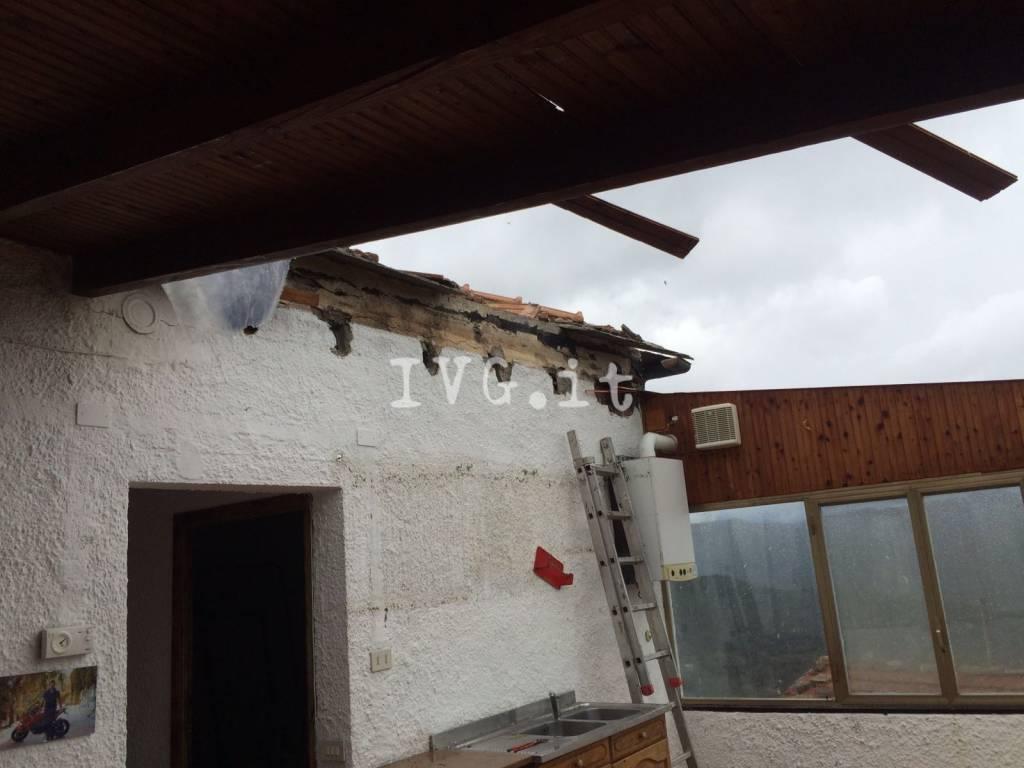 Allerta meteo 5 marzo, tromba d'aria ad Andora