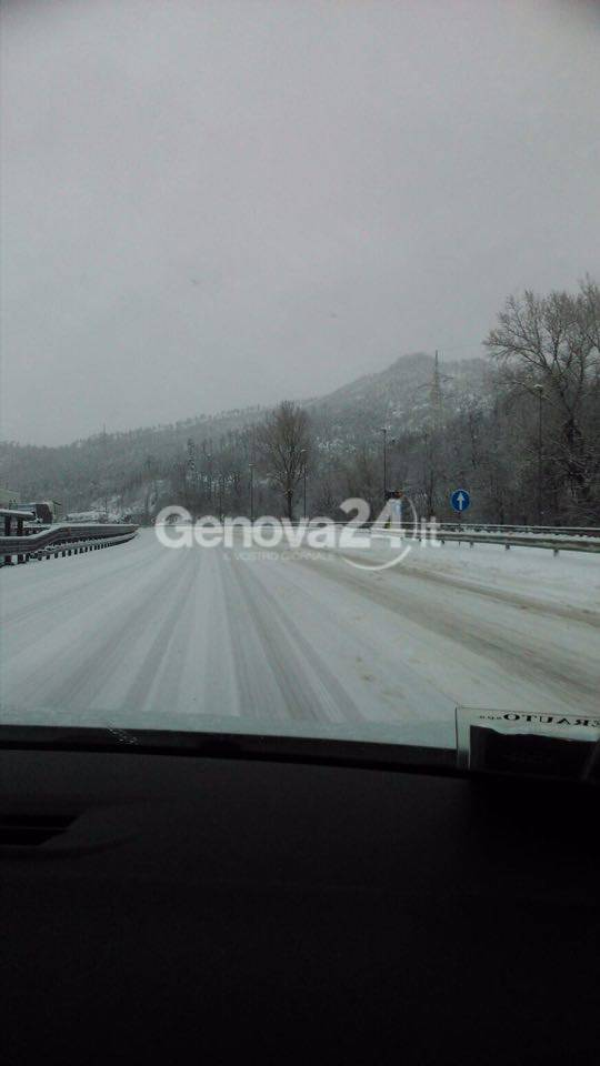 Allerta meteo, nevicata in Valle Stura