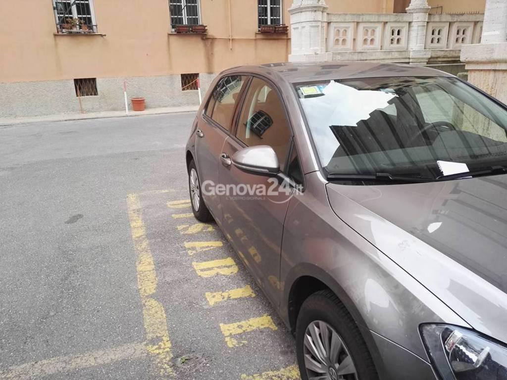 auto agenzia entrate parcheggio disabili