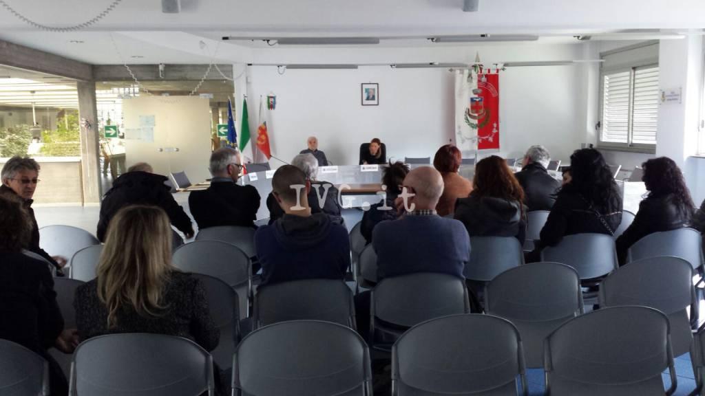 """Borghetto, protesta dei commercianti: """"Stufi dei furti"""""""