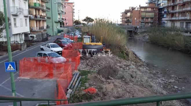 Borghetto, una petizione per salvare i parcheggi di via Ticino