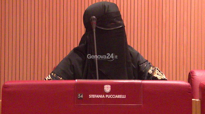 Burqa vietato negli ospedali, l'annuncio di Sonia Viale