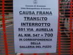 Frana ad Arenzano si lavora per liberare l'Aurelia dalle macerie