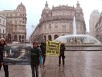 Greenpeace in piazza De Ferrari contro le trivellazioni