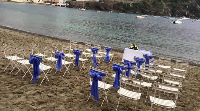 Matrimonio Spiaggia Sestri Levante : Il giorno del quot sì alla baia della silenzio a sestri