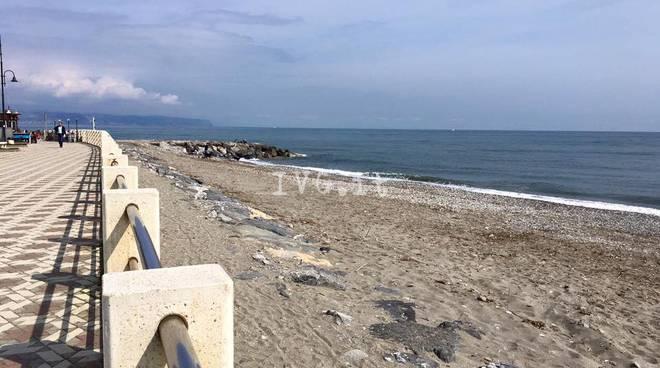 spiaggia albenga