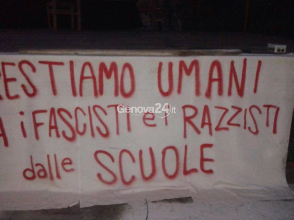 Studenti antifascisti a Sturla contro le azioni xenofobe di Forza nuova