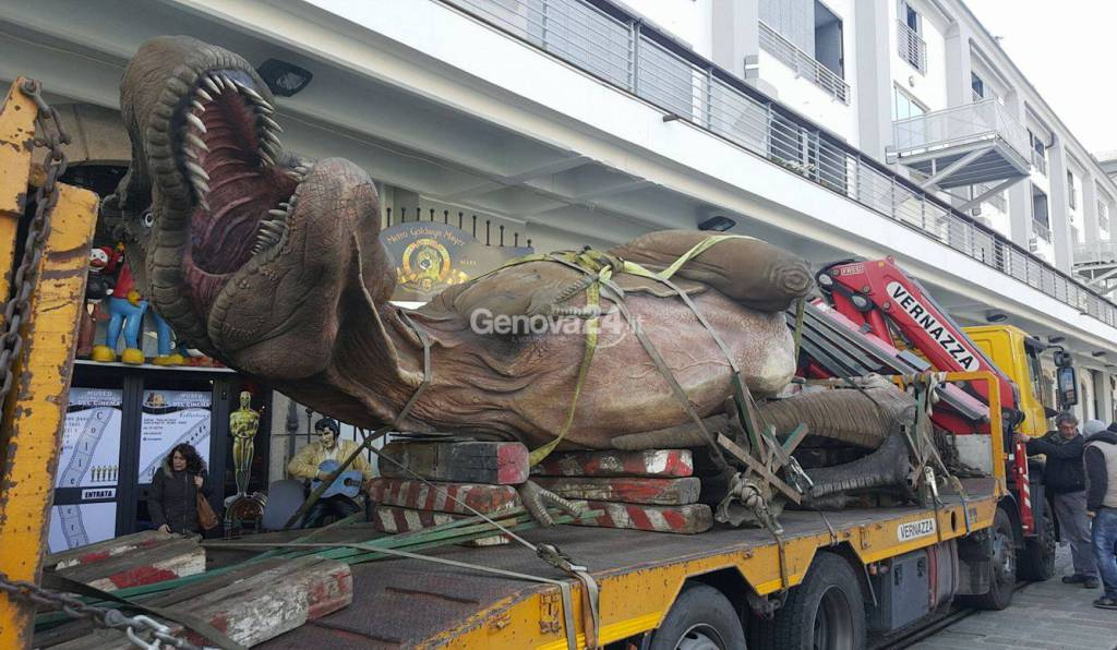Un dinosauro davanti al Galata per il nuovo Museo del Cinema