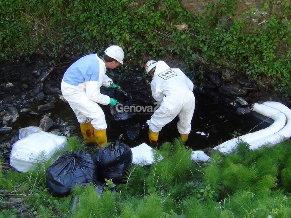 Emergenza petrolio Valpolcera
