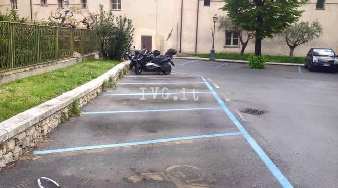 Finale, al via la rivoluzione della sosta: ma i parcheggi sono deserti