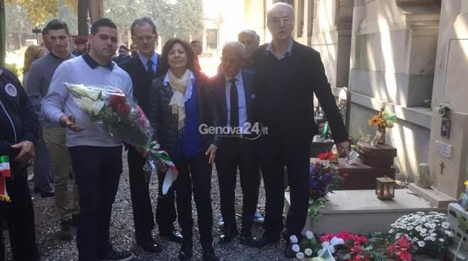Fratelli d'Italia depone fiori sulla tomba di Quattrocchi