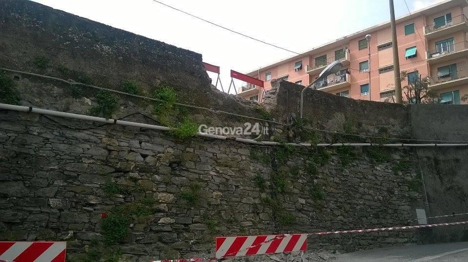 muro pericolante coronata
