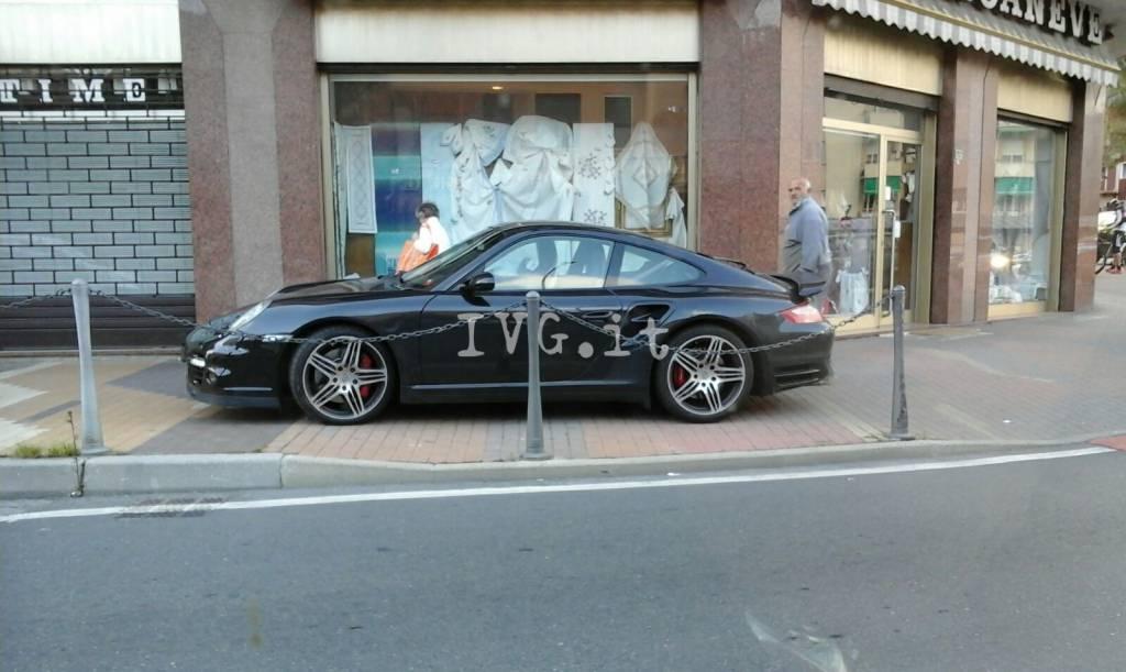 Porsche Loano Divieto di Sosta