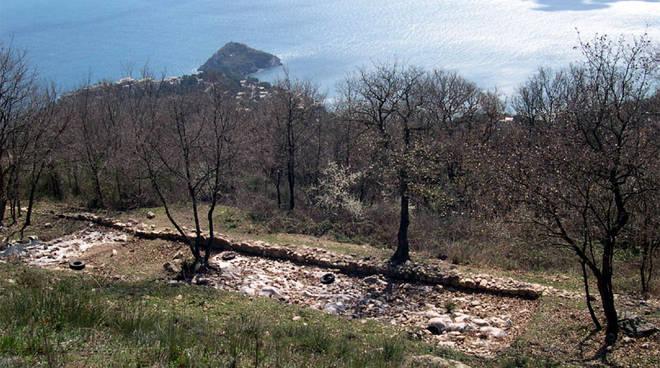 Il Castellaro di Monte Sant'Elena bergeggi
