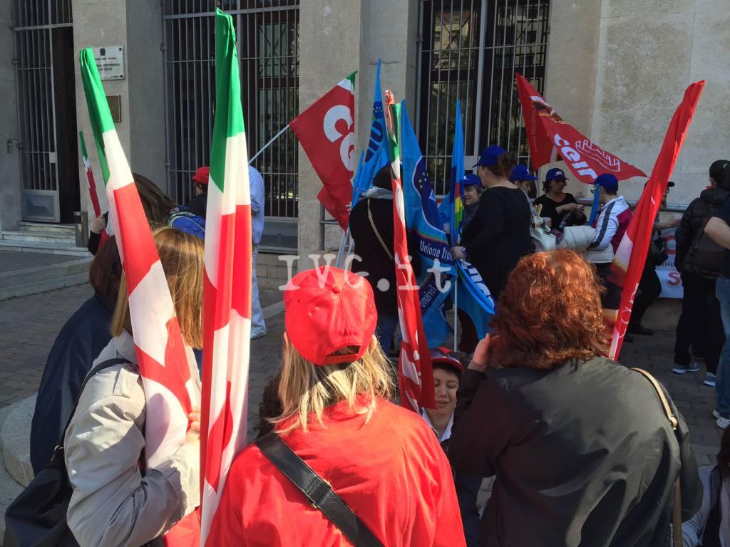 Sciopero del Terzo Settore: il presidio a Savona