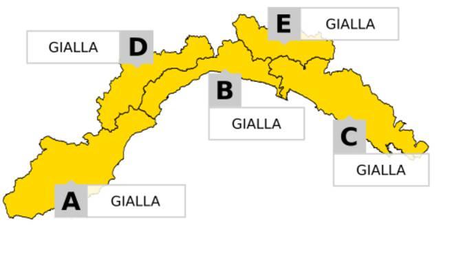 Maltempo al Nord, è allerta rossa in Liguria. Fiumi esondati