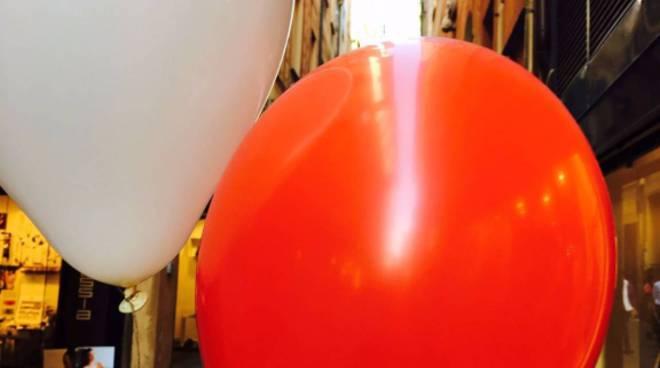 battaglia palloncini colorati