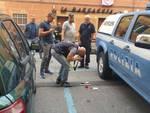Bomba a Castelletto, artificieri al lavoro
