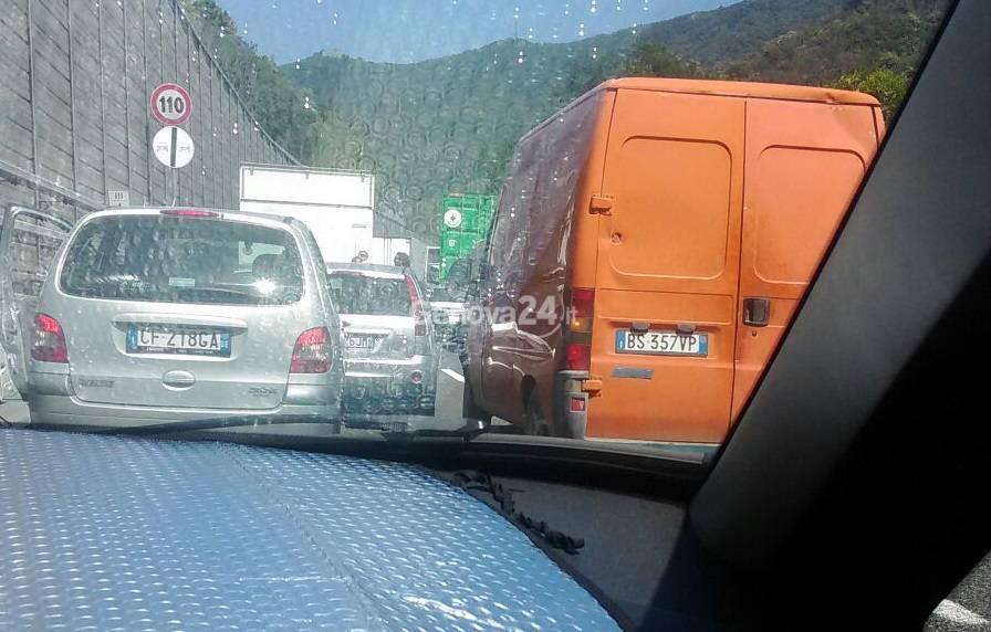 Coda in autostrada per incidente