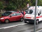 Varazze Ambulanza Tampona Auto
