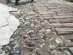 Pavimento rovinato in salita Mascherona