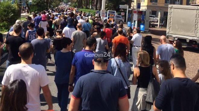 Frana ad Arenzano, il corteo di protesta