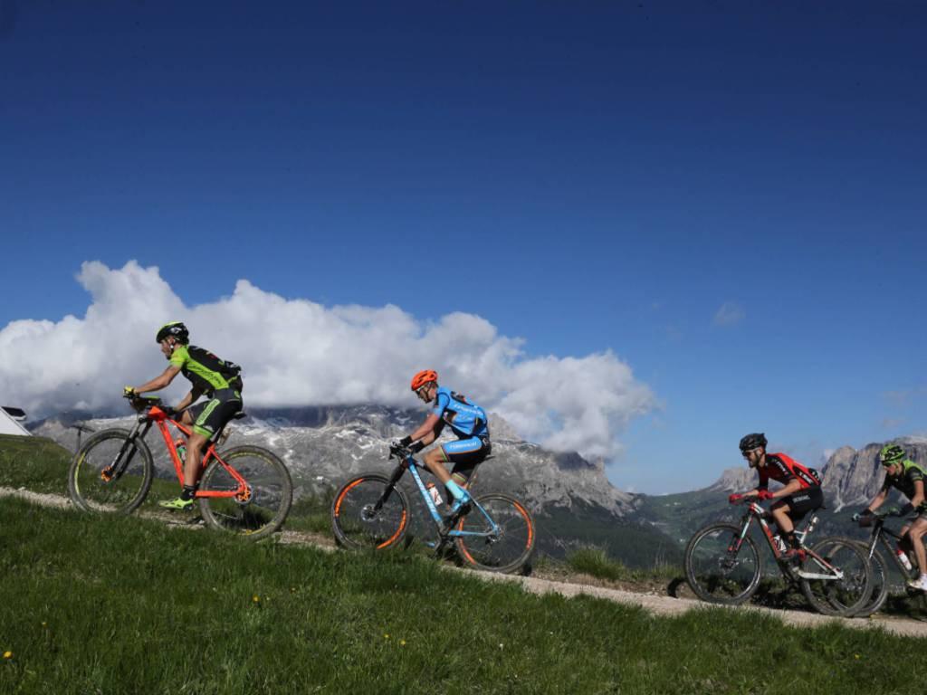 Hero Südtirol Dolomites ciclismo mountain bike