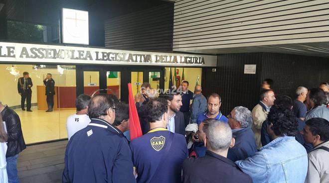 protesta edili regione