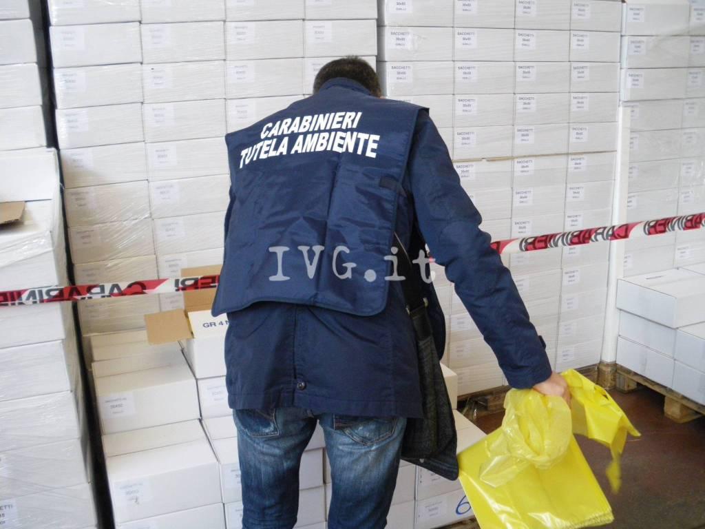 Sacchetti di plastica non biodegradabili, i produttori savonesi nel mirino del Noe di Torino