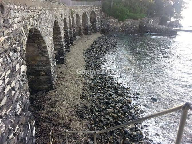 Spiaggia degli Archi a San Michele