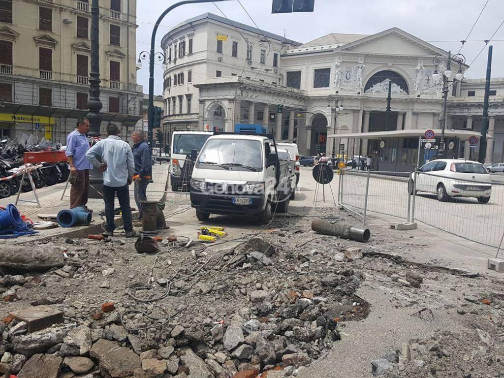 Tubi dell'acqua esplosi a Principe e a Di Negro: la situazione il giorno dopo